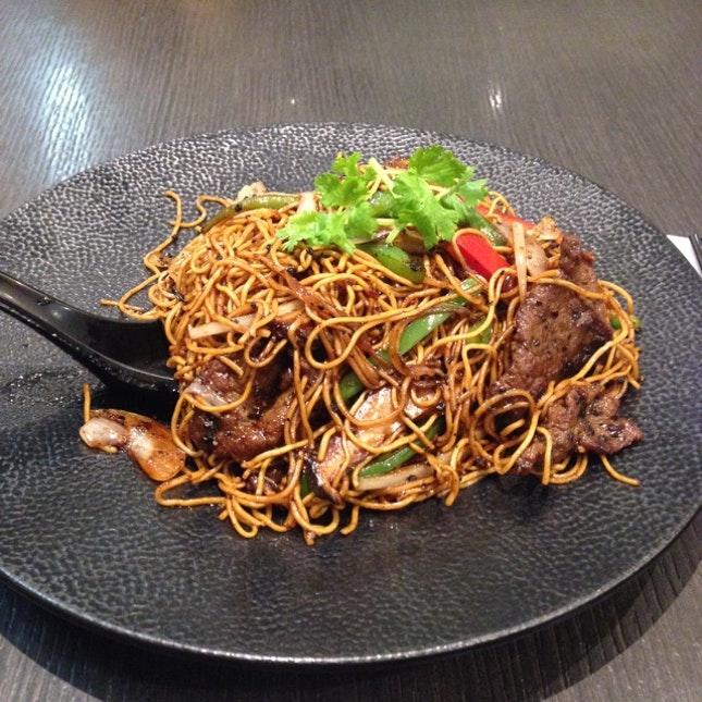 Black Pepper Beef Fried Noodle