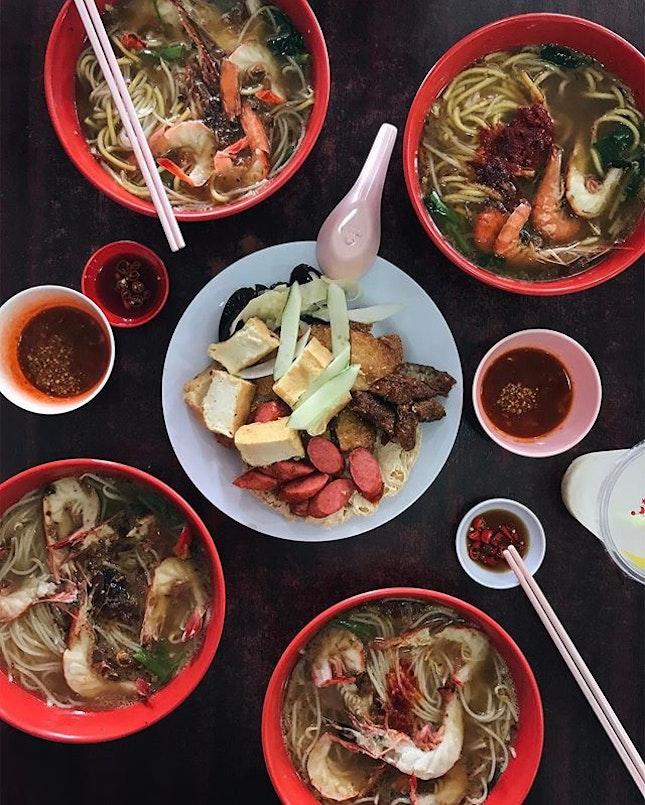Prawn Noodle and homemade Ngoh Hiang.