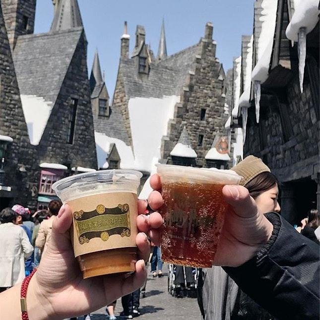 Enjoy a foaming mug of this popular wizarding beverage.
