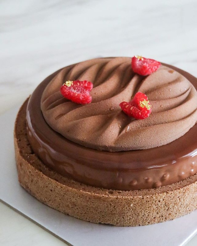 Exquisite Chocolate & Raspberry Dream ($55) from @mon_cerisepatisserie Can you believe this is from a home baker?