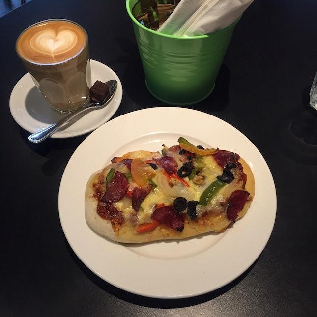 Pizza Slab & Latte