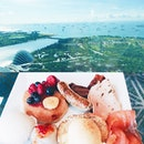 H a p p i n e s s  幸 福 。💗 Enjoying our romantic staycation and the wonderful American Breakfast spread @ MBS.