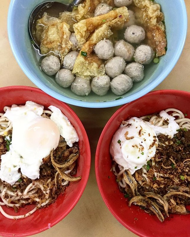 OL's life: authentic lunch like this can be a luxury one, when you can have only all not-so-authentic food in the foot court nearby office.