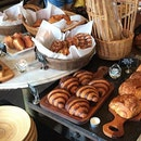 This spread is going to turn anyone to a bread/ pastry lover!