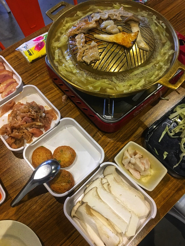 Mookata, Hot Pot And Fun Meals