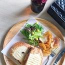 Beef brisket sandwich at Agak Agak after the Fashion Party KL 😋☕️ #agakagak #apwbangsar #saturdayvibes #tfpkl #latelunch #weekendfun