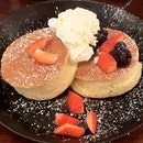 Soufflé Pancakes 😋 ($12.90) @goodolddaysbistro