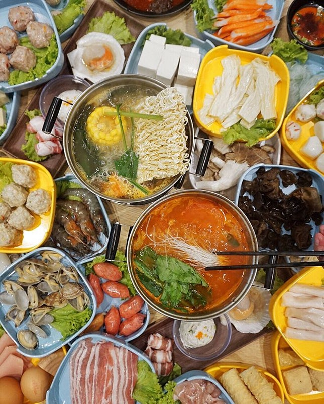 😍HK-style hot pot buffet with more than 50 free flow meat, seafood, vegetables & even HK milk tea* from $18.80++?!