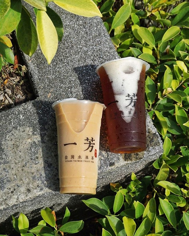 Detox day with @yifangtea.sg's Green Plum Green Tea ($4.30/$5.30) - recommend less ice with 25% natural sugar level.