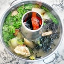 What a perfect day to have charcoal fire steamboat!!