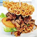 Ramen Bulgolgi Short Rib Burger (SGD $15) @ The Travelling C.O.W.