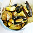 Mussels In Original Sauce (SGD $18 / 500g) @ Wholly Crab.