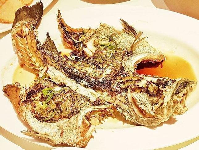 Deep-Fried Sea Bass Fish In Superior Sauce @ Tunglok Teahouse.