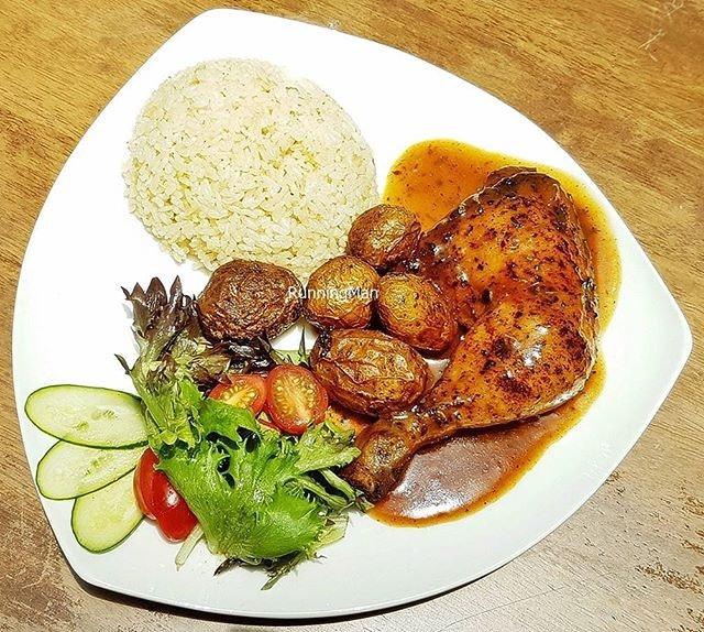 Craft Beer Chicken Rice (SGD $16) @ Five Marbles Craft Beer Restaurant.
