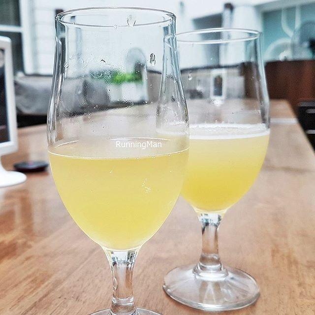 Gosnells Citra Sea Mead (SGD $7 half pint) @ Five Marbles Craft Beer Restaurant.