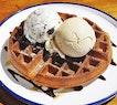 Waffles With Earl Grey Ice Cream, Baileys & Brownie Ice Cream (SGD $10) @ On The Table.