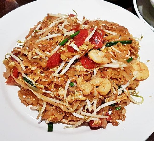 Char Koay Teow (SGD $66.50 per pax buffet) @ Princess Terrace Cafe.