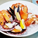 Fresh Seafood Bowl (SGD $118++ per pax buffet) @ Triple Three Restaurant.