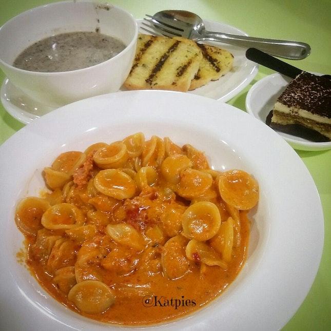 Chicken Pasta with Mushroom Soup, Garlic Bread and Tiramisu