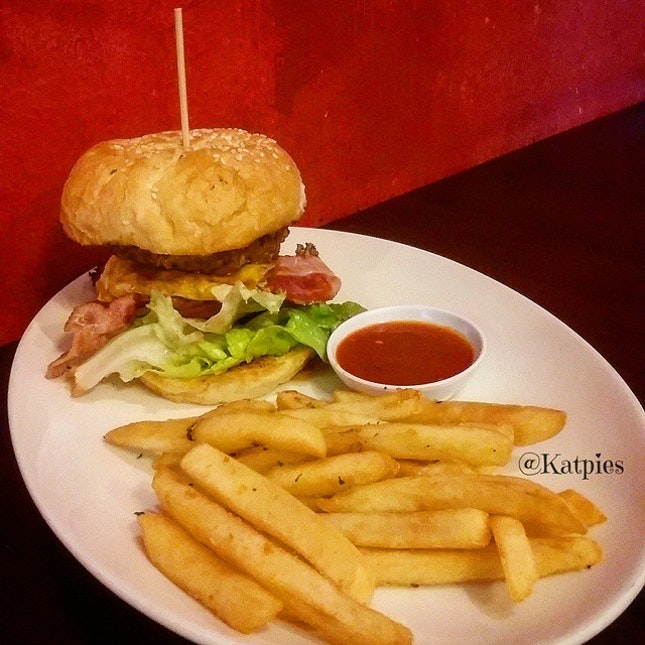 Signature Cowboy Burger (S$19.50).