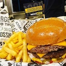 Classic Burger with Pickles
