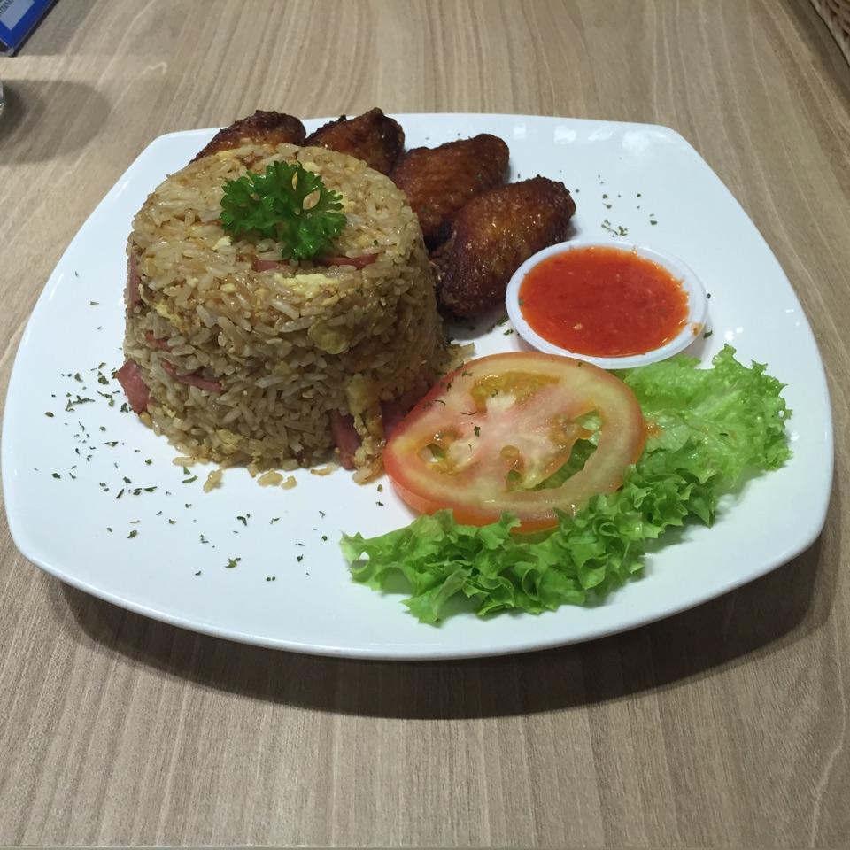 Honey Chicken Wings Fried Rice