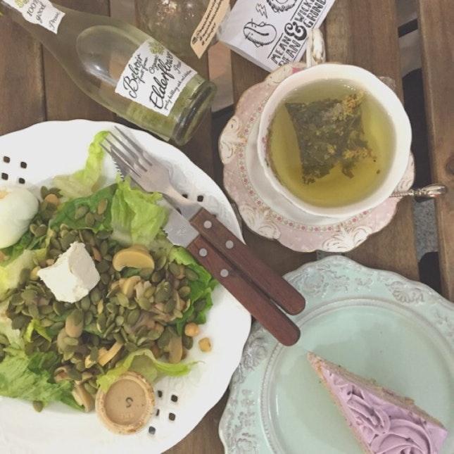 Salad/Cake/Beverages
