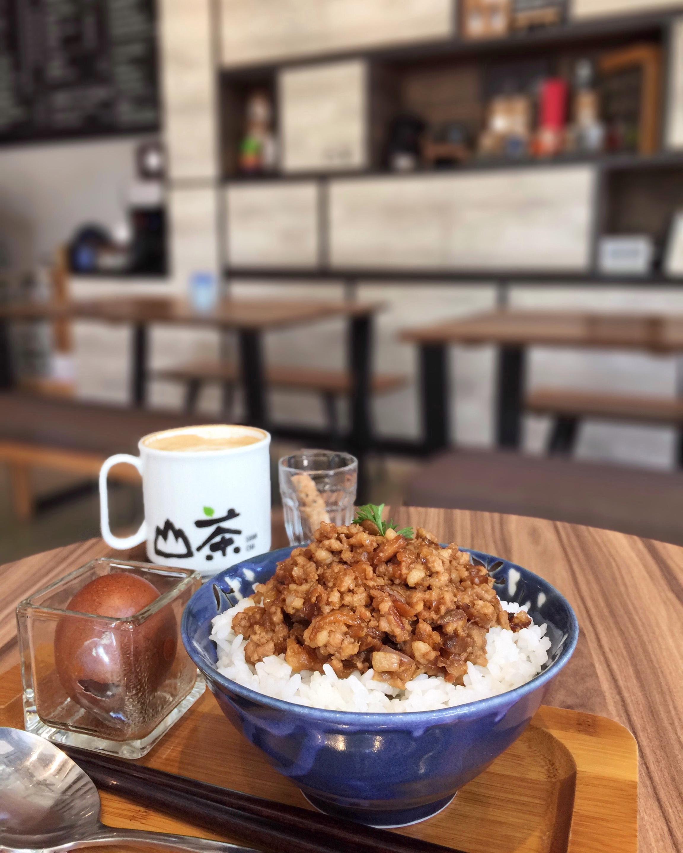 Cafe Hopping ☕️