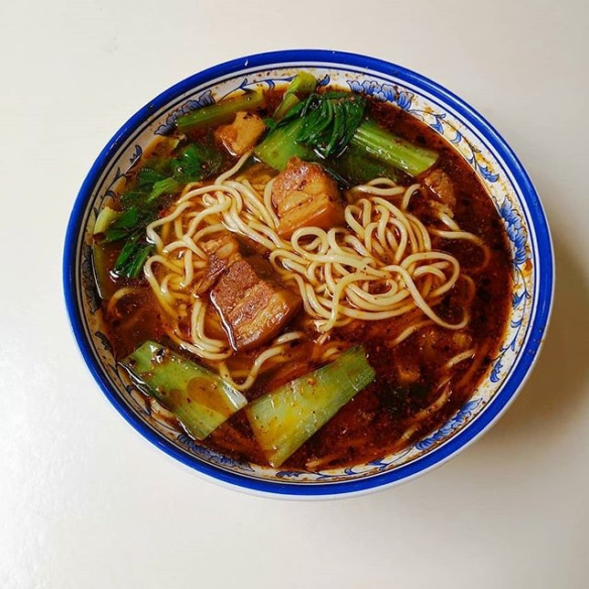 If you ask me what's the best food in Bishan, my answer would be the noodles from Bishan Bus Interchange Cafeteria.