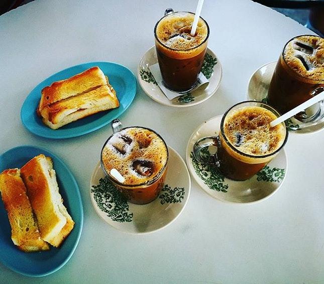 Klang Food Hunt  #choonguancoffeeshop #hainancoffee #hainancoffee☕️☕️☕️ #burpple #burpplekl #klangfoodhunt #halfboiledegg #toastbread