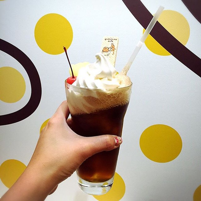 My coke-float, which has half of Gutadama's butt sticking out (which is actually a marshmallow) and a biscuit waffle with Gutadama prints on it.