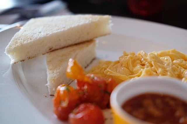 Finally a little more settled to enjoy brunch at #ginettsingapore .