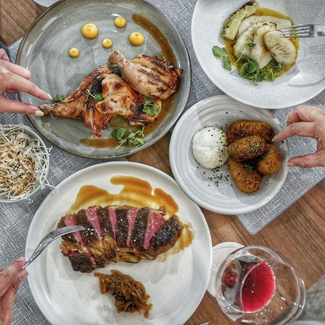 Black Angus Ribeye, Saikyo Miso Chicken, Hasselback Potato are some of my favourite @momorizakaya located at the Tanglin Post Office just opposite the Tanglin Mall.