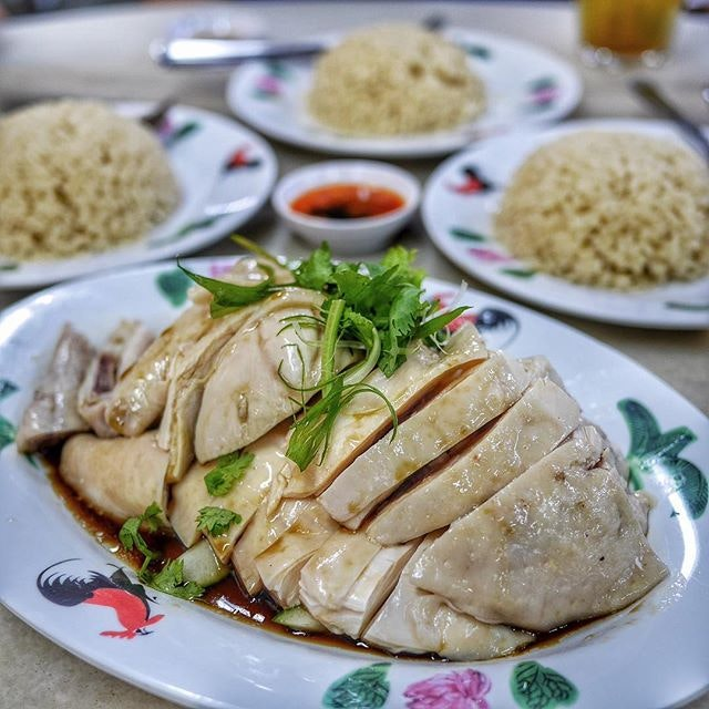 Craving for some chicken rice for dinner now @weenamkee_sg .