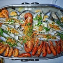 @hijoyful2016 Seafood Combo for 2 to 3 pax at $138.80++.