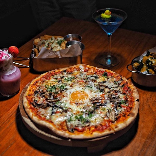 """One of the signature pizza @supplydemandsin """"The Morning After"""" ."""