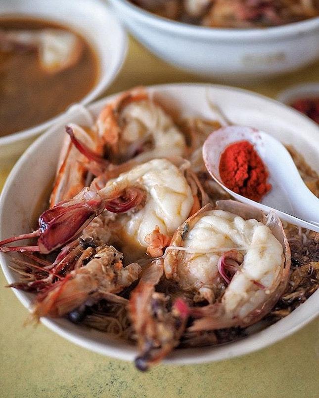 Fresh huge prawns with rich prawn broth.