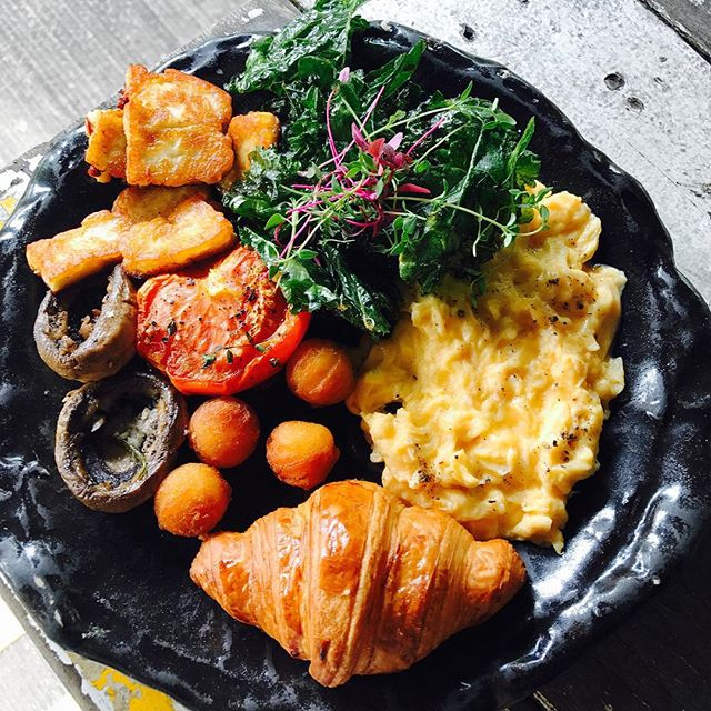 Halloumi & eggs [$15] New on the brunch menu, this vegetarian dish comprises of two eggs of your style (scrambled, onsen, sunny side up or over easy), served with fried kale chips, roasted mushrooms, mini crossaint, pomme noisettes, grilled tomato and the main highlight- grilled halloumi.