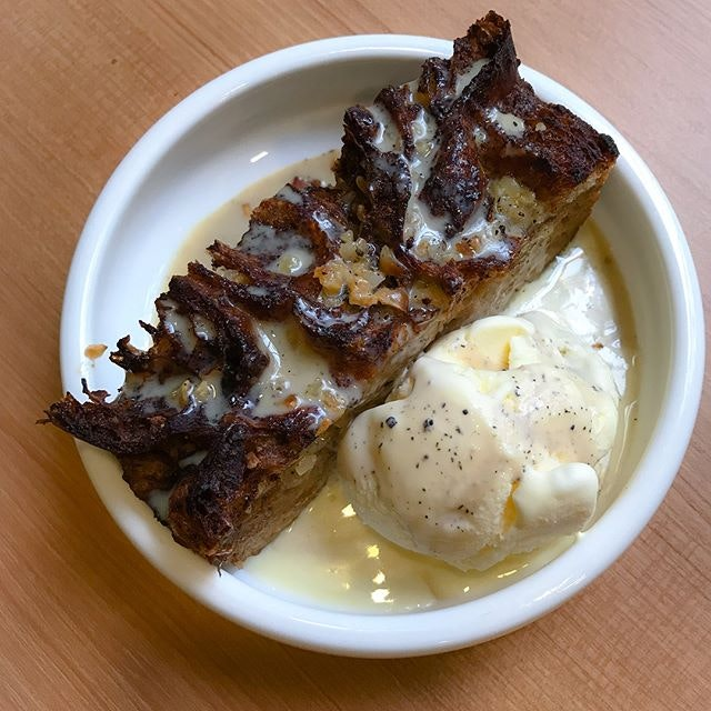 Houjicha bread pudding [$9] Offered as a complimentary item out of goodwill by the kind folks at @vxx.co due to my previous unpleasant encounter, I m really sorry to be frank and have to admit that there was still no significant improvement in terms of flavour 😭.