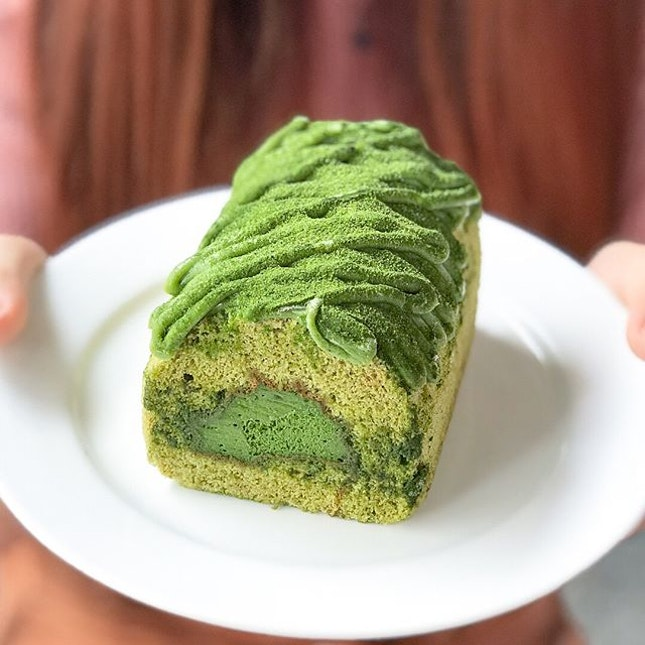 Uji matcha Swiss roll [$6.80]  Apart from the ongoing hype of dirty breads/messy buns, @keongsaikbakery has also added 'dirty cakes' to their current menu!