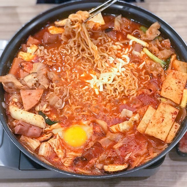 Army stew [$19.45, UP:$38.90++] with mozzarella cheese [$3.90++] 50% off all Army stew and Seoul jjimdak for weekdays (11am-3pm) till 25th May!