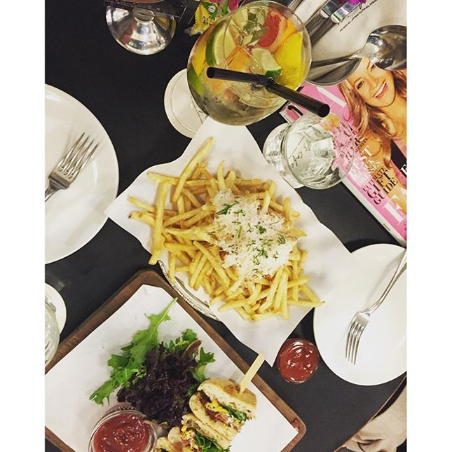 #throwback to dinner @ #pscafe the other night.