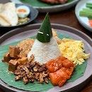Some dishes from Indonesian restaurant Sama Sama by Tok Tok (Jewel Changi Airport).