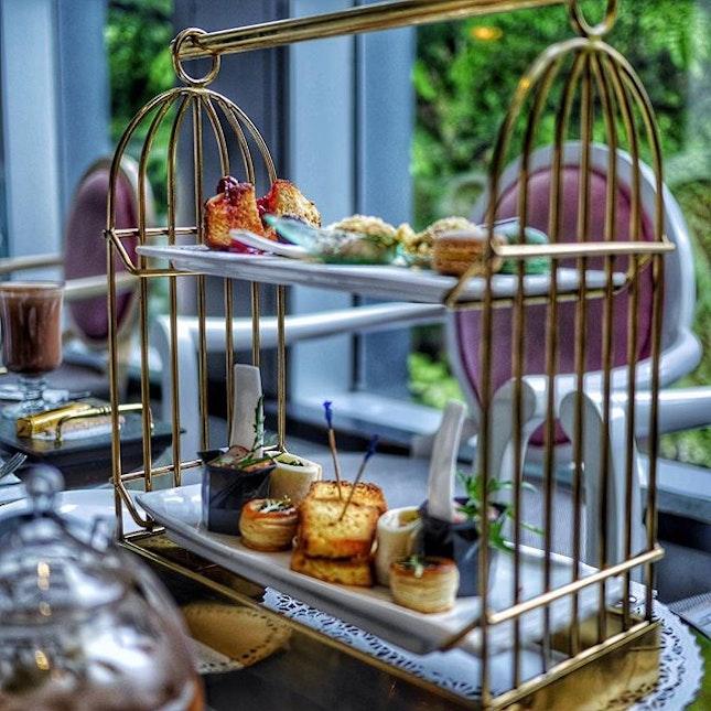Start off a lazy Sunday with Afternoon Tea @arteastiq .