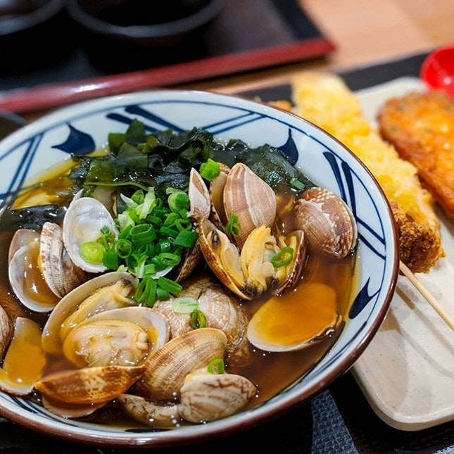 Known asMarugame Seimen丸亀製麺in Japan, Marugame Udon & Tempura is known as one of the most popular Udon noodle restaurant chains in the world with over a thousand outlets globally.