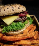 Hans Im Glück, an established German Burger Grill and Bar chain that originated from Munich is fast expanding in Singapore.
