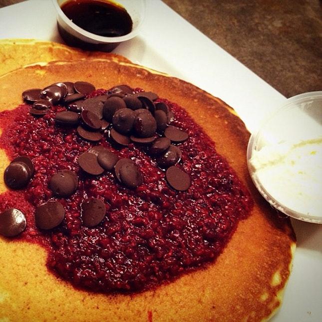 Dark chocolate and raspberries pancakes #food #foodporn #breakfast #yummy