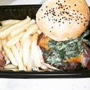 #bushtucker #shroommeltbeef #bluepepppercorn #trufflefries  #sgfood #sgeat #hungrygowhere #instag #instagfood #foodpic #burpple #sgcafe #whati8tdy #grabfood #fatpapas #burgerbar