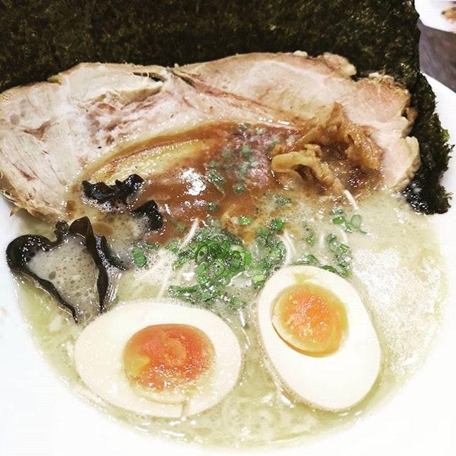 #sgfood #sgeat #hungrygowhere #instag #instagfood #foodpic #burpple #sgcafe #whati8tdy #grabfood #ramen #garlictonkotsu #spicytonkotsu #torikaraage #porkgyuza #ebimayo #chickenteriyaki #hitoyoshi #japanesefood