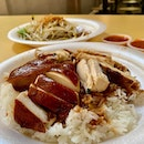 The last time when I was that Michelin Star Soy Sauce Chicken Rice store at Chinatown Complex Food Centre - I didn't want to join the long queue cos I thought maybe if I came back later, the won't be any...and I was right - there's wasn't a queue at all - cos they were already closed...!!!